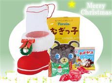 リースとファーがついたクリスマスブーツ